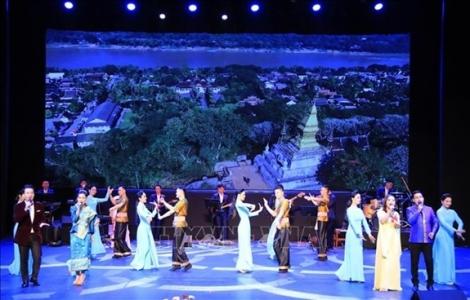 Vun đắp quan hệ đặc biệt Việt Nam - Lào đời đời bền vững