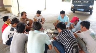 Triệt phá tụ điểm đánh bạc ở phường Long Thành Trung