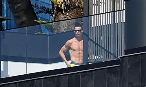 Ronaldo ủng hộ tiền chống Covid-19