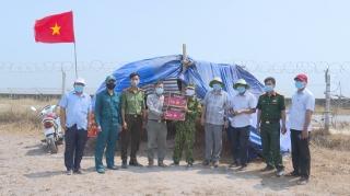 Lãnh đạo huyện Bến Cầu thăm, động viên cán bộ chiến sĩ khu vực biên giới