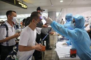 Việt Nam khuyến cáo công dân không về nước