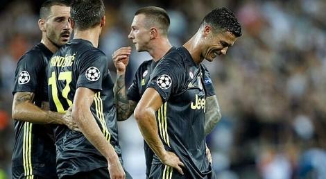 Ronaldo từng phải mua iMac cho cả đội