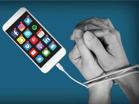 Thời gian sử dụng smartphone tăng vọt
