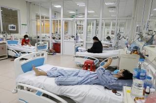 Ba bệnh nhân nặng hai lần âm tính nCoV
