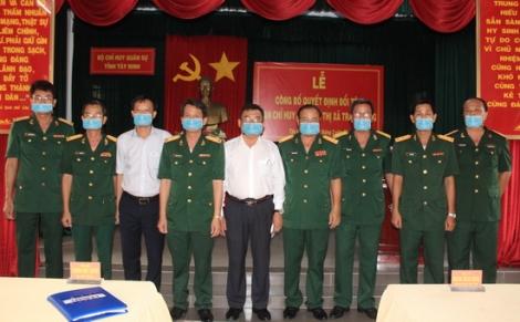 Công bố thành lập Ban CHQS thị xã Trảng Bàng và Hòa Thành