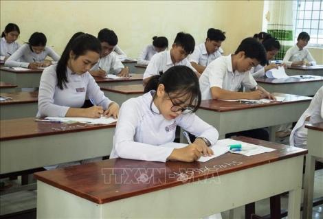 Dịch COVID-19: Bộ Giáo dục và Đào tạo quyết định tinh giản nội dung học kỳ II với bậc trung học