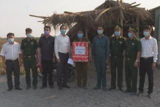 Bí thư Tỉnh uỷ Phạm Viết Thanh: Thăm, tặng quà các chốt dã chiến phòng, chống dịch trên biên giới