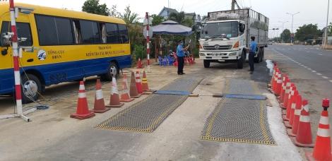 40 trường hợp xe chở hàng quá tải bị xử lý
