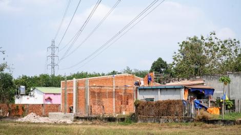 Phường Gia Lộc: Hàng loạt nhà xây dựng dưới lưới điện cao thế