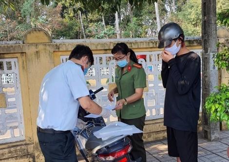 Tiếp tục kiểm tra, xử phạt người dân không chấp hành các biện pháp cấp bách phòng, chống dịch Covid-19