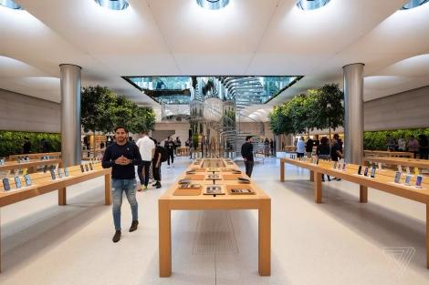 Apple hỗ trợ tiền cho nhân viên làm việc tại nhà