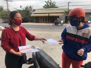 Phụ nữ xã Thái Bình hỗ trợ nhu yếu phẩm cho khu cách ly
