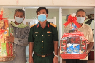 Thăm, chúc tết Chol chnam thmay tại huyện Tân Châu