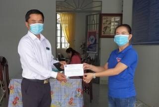 TAND huyện Bến Cầu ủng hộ chống dịch Covid-19