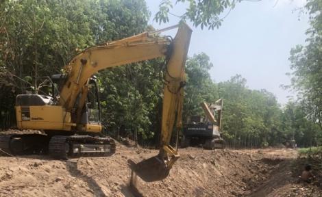 Đẩy nhanh tiến độ thi công hệ thống kênh tiêu Tân Phú-Tân Hưng