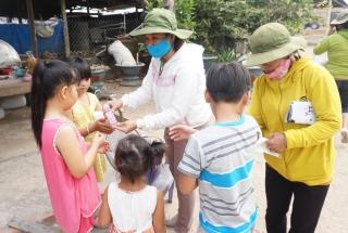 Phòng chống dịch Covid-19 ở xóm Việt kiều