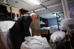 New York ghi nhận gần 800 người tử vong trong một ngày do COVID-19