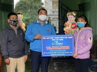 Hội LHTN Việt Nam tỉnh Tây Ninh vận động hỗ trợ tình nguyện viên trực chốt cách ly phòng chống dịch Covid-19 bị tai nạn giao thông ở Hải Dương