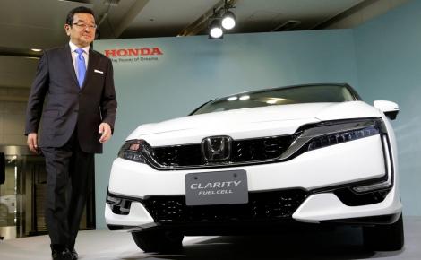 Chủ tịch Honda 'bắt chước' Toyota