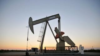 Lần đầu tiên trong lịch sử, giá dầu thế giới rơi xuống ngưỡng âm