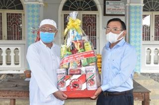 Lãnh đạo tỉnh thăm, chúc mừng lễ Ramadan Ban Đại diện cộng đồng Hồi giáo Islam Tây Ninh