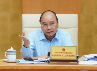 Thủ tướng yêu cầu giảm giá thịt lợn, điện, nước, sách giáo khoa