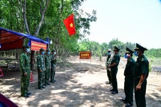 Khen thưởng cán bộ, chiến sĩ BĐBP Tây Ninh trong công tác phòng, chống dịch Covid-19