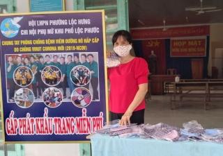 Hội Phụ nữ phường Lộc Hưng chung tay phòng chống dịch