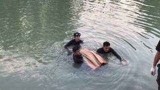 CATN: Vớt người bị nạn dưới kênh TN17