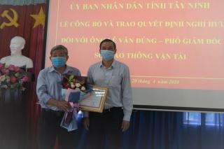 Trao quyết định nghỉ hưu cho ông Lê Văn Đúng–Phó Giám đốc Sở GTVT