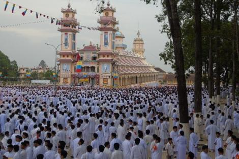 20 năm đầu của ngôi Đền thánh Tây Ninh (tiếp theo)