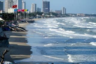 Hơn 1.000 người ngăn chặn khách tắm biển Vũng Tàu