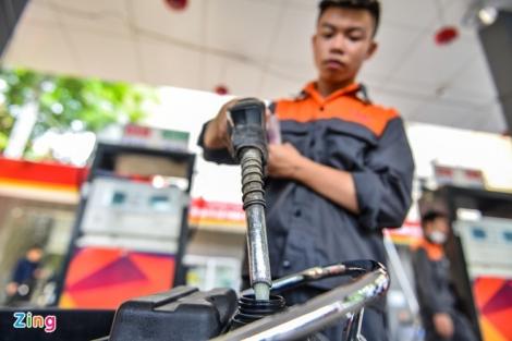 Giá xăng dầu thấp kỷ lục, nhà sản xuất và phân phối ôm lỗ nặng