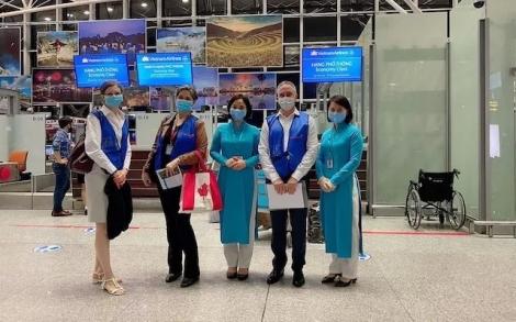 Đưa gần 300 công dân Việt Nam từ Canada về nước