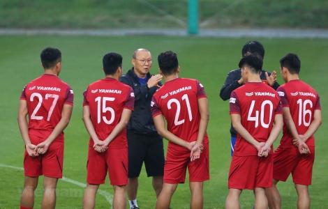 Tuyển Việt Nam hưởng lợi gì nếu V-League 2020 sớm trở lại thi đấu?