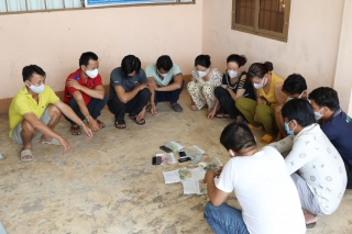 CA Tân Biên: Tạm giữ hình sự 11 người đánh bạc