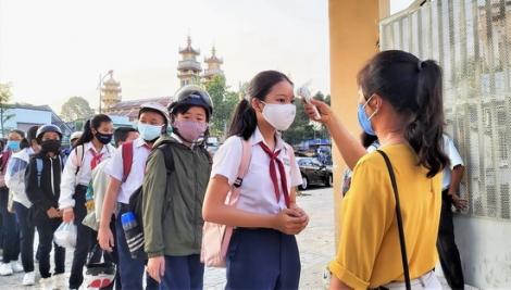 Hơn 190.000 học sinh toàn tỉnh trở lại trường học