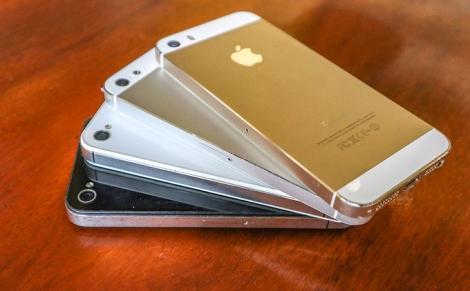 iPhone đời cũ giá 400.000 đồng bán tràn lan