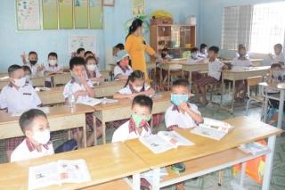 Không giãn cách lớp học