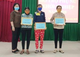 Xã Thạnh Đức: Trao vốn hỗ trợ phụ nữ khởi nghiệp