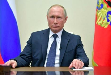 Covid-19 đẩy ông Putin vào thế khó