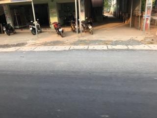 QL22B: Nhiều đoạn dặm vá dễ gây tai nạn cho người đi đường