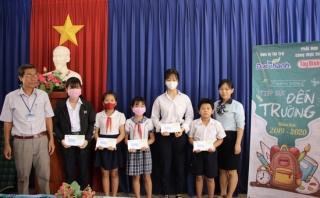Công ty Đức Thành: Trao học bổng cho học sinh Hoà Thành