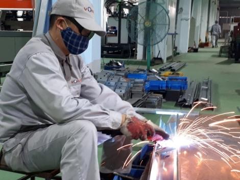 Toàn cầu suy thoái, Việt Nam gắng vượt qua thách thức