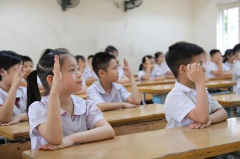 Học sinh lớp 1 ấp úng đánh vần, quên số, chữ viết nguệch ngoạc sau 3 tháng nghỉ
