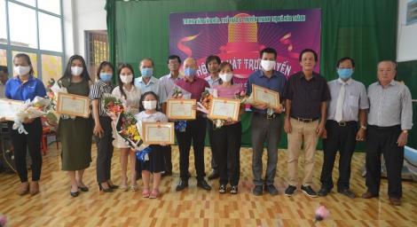 Hòa Thành: Trao giải thưởng Hội thi hát trực tuyến năm 2020