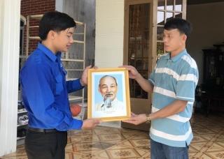 """Huyện đoàn Châu Thành: Ra quân thực hiện công trình """"Tuyến đường Thanh niên làm theo lời Bác"""""""