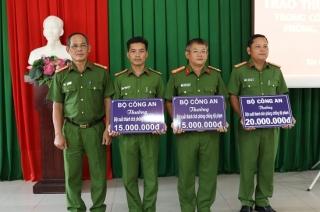 Bộ Công an: Khen thưởng 3 tập thể có thành tích trong đấu tranh phòng chống tội phạm