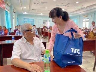 TTC tài trợ mổ mắt cho bệnh nhân nghèo