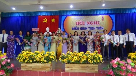 Trường THCS Trần Hưng Đạo tổ chức hội nghị điển hình tiên tiến